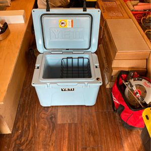 Yeti Cooler for Sale in Tigard, OR
