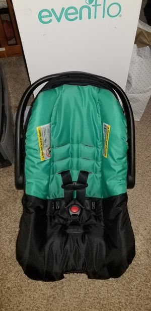 Evenflo Nuture Car Seat for Sale in Temple Hills, MD