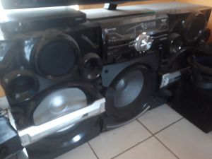 Stereo set with remote control $500 or best offer for Sale in Miami, FL