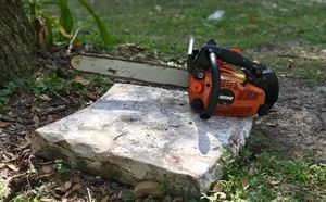 Echo top handle climbing chainsaw for Sale in Inverness, FL