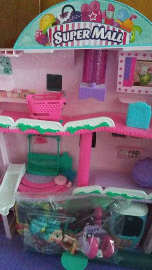 Shopkins mall house like brand new for Sale in Philadelphia, PA