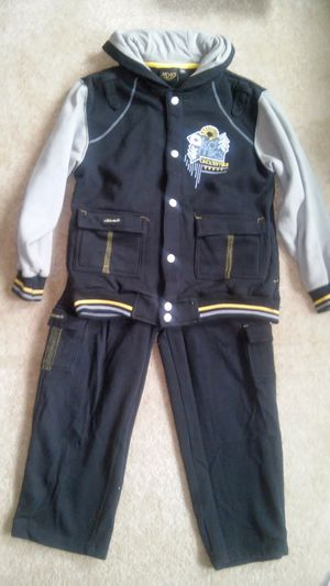 Boys size 7-8 ™Akademiks sweat suit for Sale in Falls Church, VA