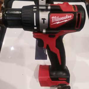 18 V Hammer Drill Milwaukee Brushlees for Sale in Oak Forest, IL