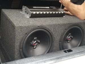 Audiopipe 12in subwoofers .with a 1500 class D MONO for Sale in Fort Walton Beach, FL