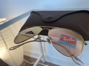Brand New Authentic RayBan Aviator Sunglasses for Sale in San Francisco, CA