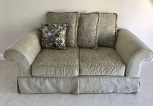 LOVESEAT BEIGE for Sale in Boynton Beach, FL