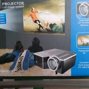 Led Projector And screen for Sale in North Providence, RI