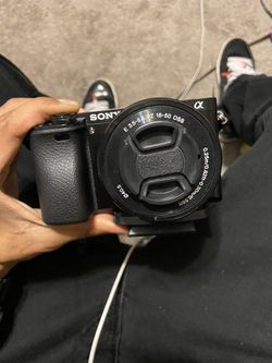 Sony a6000 for sale or trade for Sale in San Jose,  CA