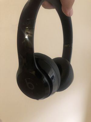 Black Wireless Beats Solo 3s for Sale in Houston, TX
