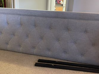 King Size Headboard for Sale in Issaquah,  WA