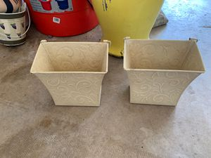 Matching wall flower pot for Sale in Boca Raton, FL