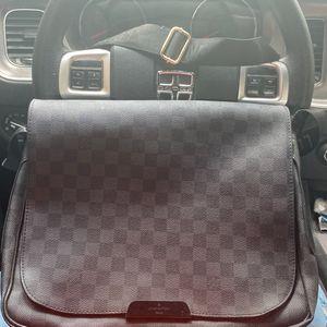 Louis Vuitton Vintage Messenger Bag for Sale in Detroit, MI