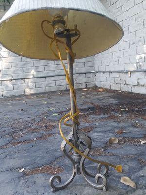 Vintage Lamp for Sale in Bakersfield, CA