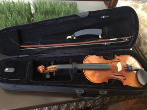 3/4 violin with Kun , broken strings for Sale in Cupertino, CA
