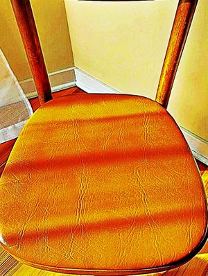 Wooden Shelby Williams Industries MCM chairs (4) with leather seat cushion. for Sale in Ellicott City, MD