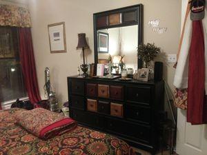 King Bedroom Set- 6 piece for Sale in Dallas, TX