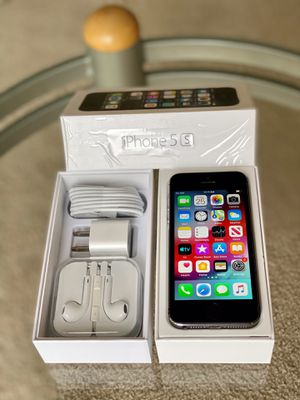 iPhone 5S Factory Unlock 64GB Silver/ GOLD/ Silver for Sale in Glenview, IL