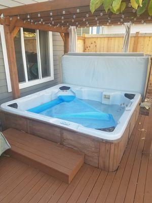 Hot tub for Sale in Auburn, WA