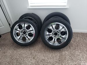 18 inch chrome rims with tires for Sale in Groveland, FL