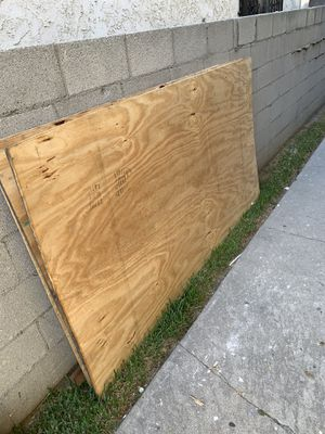 Playwood 3. 4'x7' for Sale in South Gate, CA