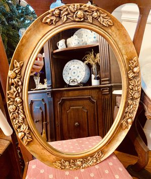 Gold framed oval gilded mirror for Sale in South Kensington, MD