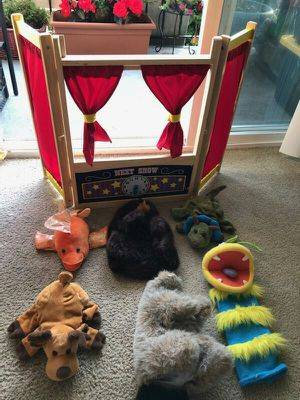 Guider after tabletop puppet theater with puppets😊 for Sale in Everett, WA