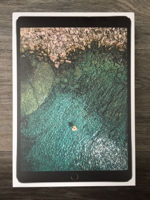 Apple - iPad Pro (64GB) - 10.5in - Wi-Fi & Cellular Capable for Sale in Tacoma, WA