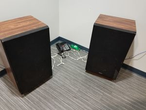 Set of Fisher speakers work great shelf or floor for Sale in Clearwater, FL