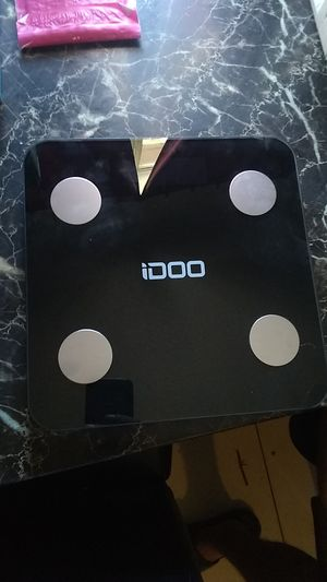 IDOO SMART BODY COMPOSITION SCALE. for Sale in North Las Vegas, NV