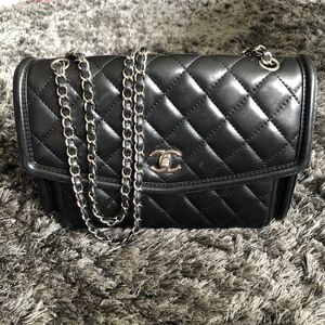 Authentic Chanel Jumbo Flap Bag Black Lambskin Leather for Sale in San Diego, CA