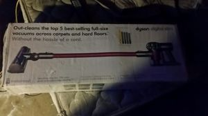 Dyson cordless vacuum for Sale in Mission Viejo, CA