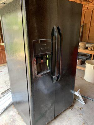 Fridgeair refrigerator for Sale in Lakewood, OH
