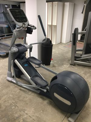 Elliptical Precor EFX 833 for Sale in New York, NY