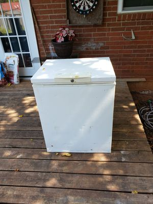 Deep freezer for Sale in Midwest City, OK