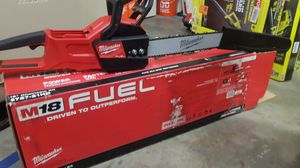 """MULWUAKEE M18 FUEL BRUSHLESS 16""""IN CHAINSAW LIKE NEW for Sale in San Bernardino, CA"""