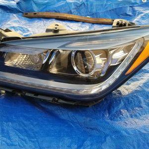 Hyundai Genesis G80 HEADLIGHT, PARTS for Sale in Hollywood, FL
