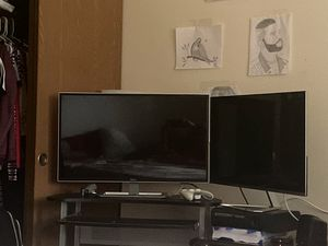2 32 inch monitor for Sale in Kent, WA