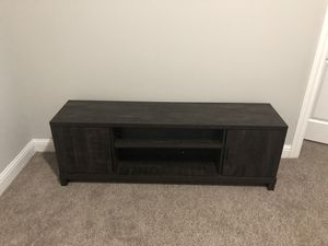 TV stand with shelves and two storage compartments for Sale in Atlanta, GA