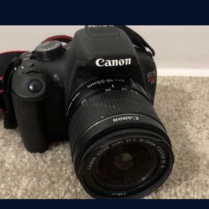 Canon Rebel T5 for Sale in Detroit, MI