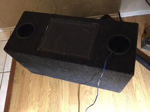 """Band pass box with 2 Dual 10"""" woofers in it.. only 35 tomorrow! Check my Tool deals 💥💥👍🏽👍🏽 for Sale in Irving, TX"""