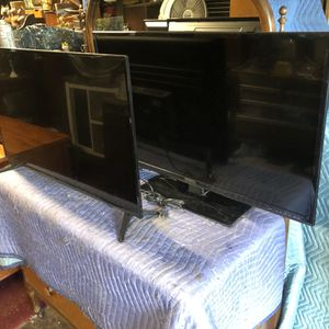 "Two 39"" LED TVs for Sale in Jamul, CA"