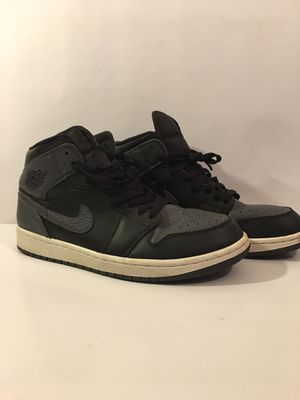 Air Jordan 1 $30 comes with replacement box and OG sticker for Sale in Pontiac, MI