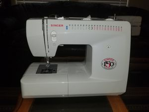 Singer Sewing Machine Model 3820 for Sale in Austin, TX