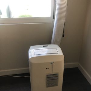LG Portable Air Conditioner for Sale in Garden Grove, CA