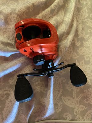 Concept Z 13 fishing reel for Sale in Victorville, CA
