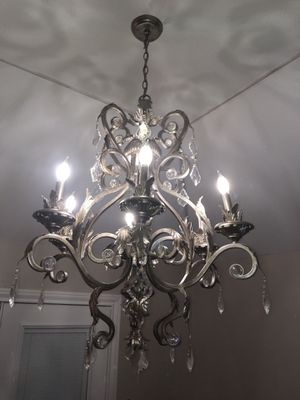 Gorgeous Kathy Ireland chandelier for Sale in Port Arthur, TX