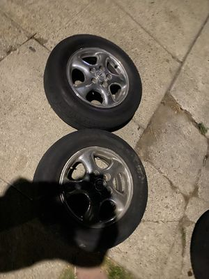 Lexus 300 rims size tire 17s '45$ and all yours for Sale in Vallejo, CA