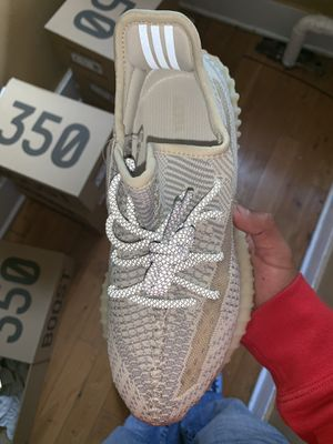 Yeezy 350 Lundmark for Sale in Los Angeles, CA