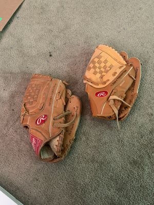Right handed Rawlings Youth Baseball gloves for Sale in Philadelphia, PA