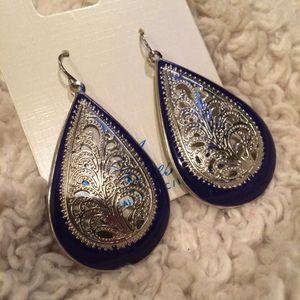 Brand new teardrop earrings for Sale in Crofton, MD